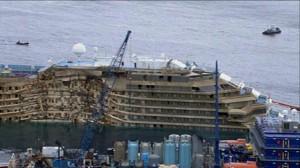 La Costa Concordia risollevata