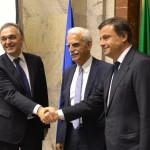 Ministro Calenda e il Presidente della Toscana Rossi firmano accordo 'Galileo'